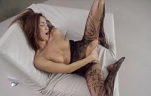 Michaela Isizzu masturbating